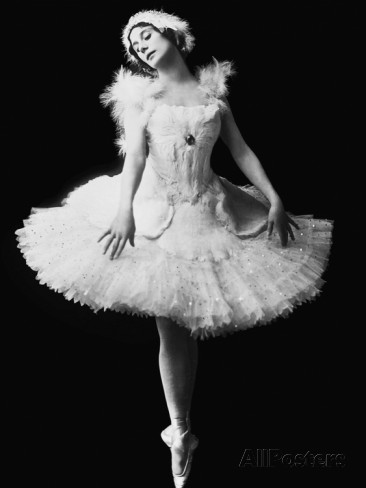 anna-pavlova-in-the-ballet-the-dying-swan-by-camille-saint-saens-c-1910